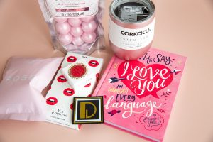 Rose Valentine's Gift Box